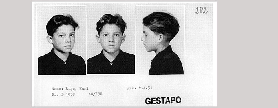 Bilden visar registerkortet med tre porträtt, ett framifrån och två i profil. Kortet är stämplat gestapo.