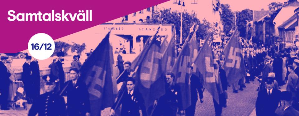 Bilden visar människor i ett demonstrationståg med flaggor med hakkors.