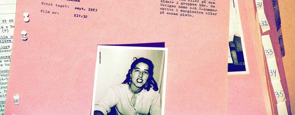 Bilden visar ett dokument med bild och personuppgifter.