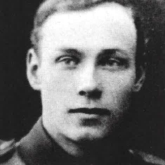 Bilden visar ett svartvitt foto av Eric Thorsell som ung militär