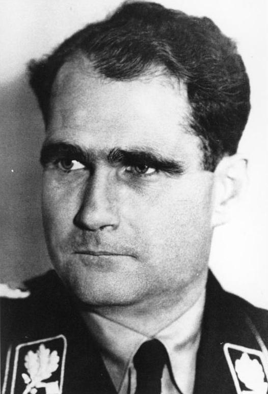 Bilden visar ett svartvitt porträtt av Rudolf Hess.